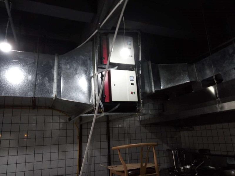 室內吊裝油煙凈化設備.jpg